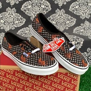 VANS AUTHENTIC TIGER FLORAL BLACK/TRUE WHITE WMNS